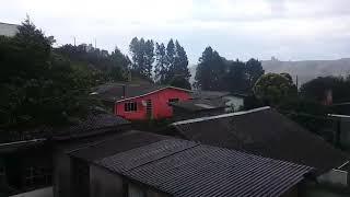 Moradores flagram tufão de vento destelhando casas em São Joaquim
