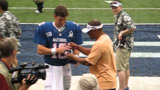 Eli Manning at the 2013 Pro Bowl