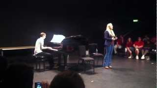 Kerry Ellis performing Defying Gravity ar West End Stage