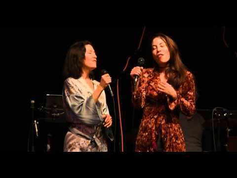 Donna De Lory and Sophia Mae Lin sing: Kinder