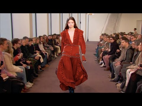 Chloé   Fall/Winter 2018/19   PFW...Fashionweekly...On Fow24news.com