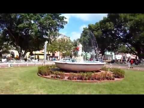 Walking around Valladolid, Mexico main plaza