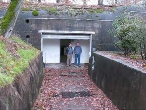 un monumental bunker antinucl aire visiter doovi. Black Bedroom Furniture Sets. Home Design Ideas