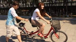 Обучение езды на велосипеде с двумя сидениями