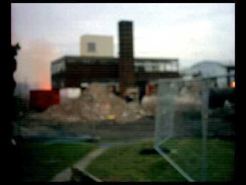 fires-used-in-asbestos-removal-demolition-of-oakwood-high-school-/-chorlton-high-school