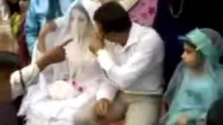 إيراني فارسي يضرب زوجته a persian hits his wife at marriage