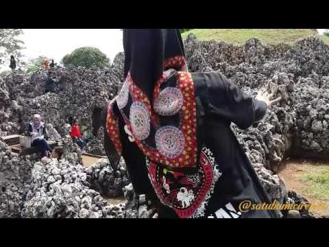 Satu Bumi Cirebon - Taman Air Gua Sunyaragi Cirebon
