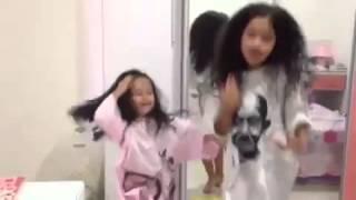 Blitzkrieg Bop por Sweet sweet little Ramona