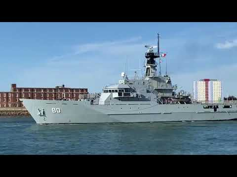 Ex-HMS Clyde leaves Portsmouth - sold to Bahrain and named RBNS Al Zubara
