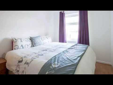 A Tasteful 2 bed 1 Bath Apartment in Greenwich, SE10 with Own Private Entrance