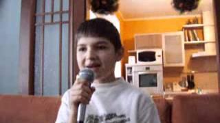 2005, Андрій співає