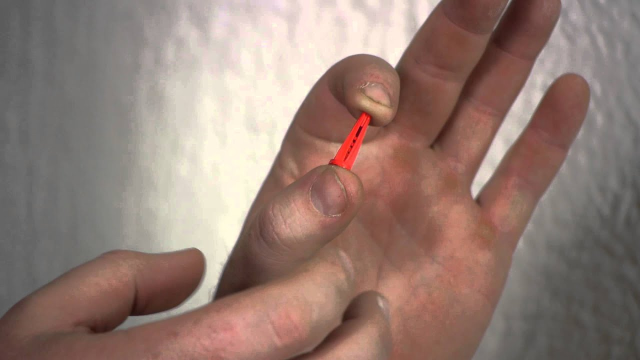 How to put screws into plaster nails screws wall hangings how to put screws into plaster nails screws wall hangings youtube amipublicfo Gallery