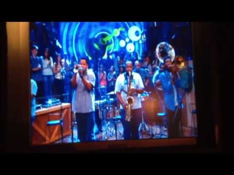 "The Soul Rebels ""Get Lucky"" by Daft Punk- Altas Horas on Rede Globo TV"