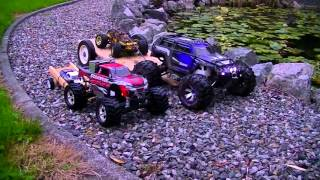 Gambar cover TRAXXAS SUMMiT AND STAMPEDE 4X4