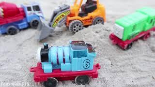 Mainan Thomas & Friends   Buldozer, Truk Molen Mixer, Dum Truk Tanah Pasir   Mainan konstruksi