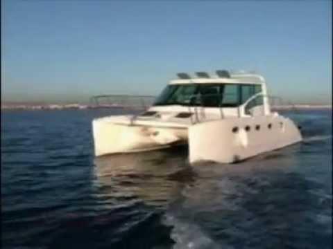 Prowler 330 Power Catamaran