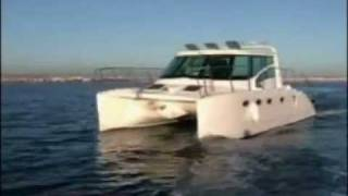 PROWLER 330 POWER CATAMARAN
