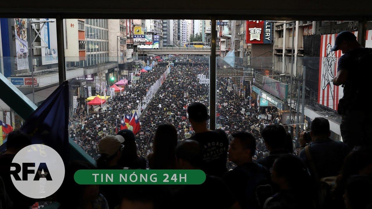 Tin nóng 24H | Biểu tình dẫn đến bạo lực nhân ngày kỷ niệm Anh trao trả Hong Kong về cho Trung Quốc