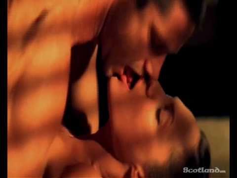 Gerard Butler - Best kisses