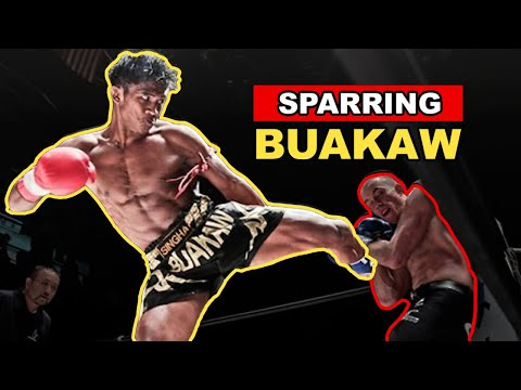 Discovering the Real Thailand: Sparring Buakaw & Training At Banchamek Gym