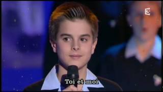 """Les Petits Chanteurs à la Croix de Bois """"We are the world"""""""