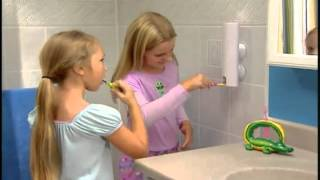 BatanGemi.com: Diş Macunu Sıkma Makinesi