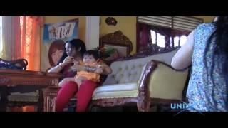 Download Video uniX: Wanita Dengan Rambut Super Panjang MP3 3GP MP4
