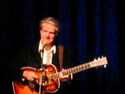 Lloyd Cole performing Four Flights Up and Forest Fire, Sale Waterside, 25 10 13