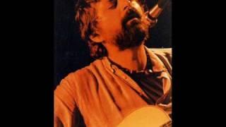 F. Guccini canta Lontano Lontano di L. Tenco