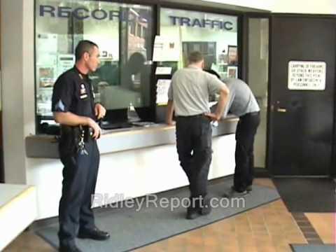 Activist open carries into cop-shop (Manchester, New Hampshire)