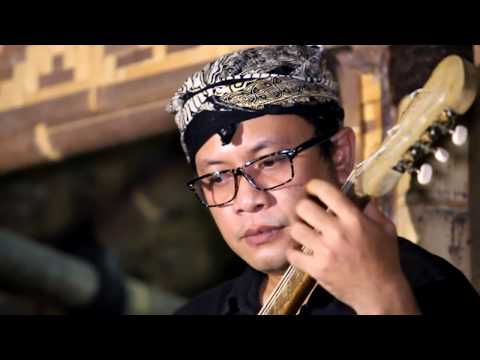 Es Lilin (Fingerstyle) Gitar Sunda -  Arranged and played by Noviandi Candrakusuma