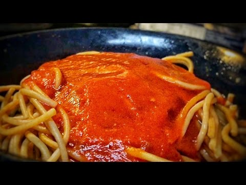 Quick way to make spaghetti sauce and paste