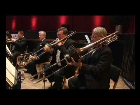 (HD) Moonlight Serenade - The Independent Mantovani Orchestra UK
