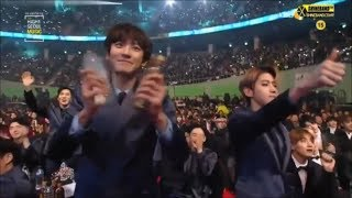 Gambar cover EXO being EXTRA in award shows 2017