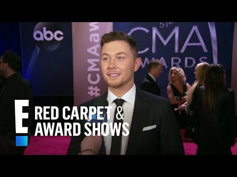 Scotty McCreery Introduces His Fiancee at 2017 CMA Awards  E!  from the Red Carpet