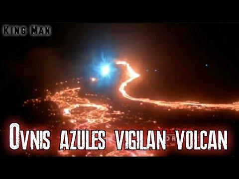Ovnis azules vigilan actividad volcánica en Islandia (Extraen energia de volcán)