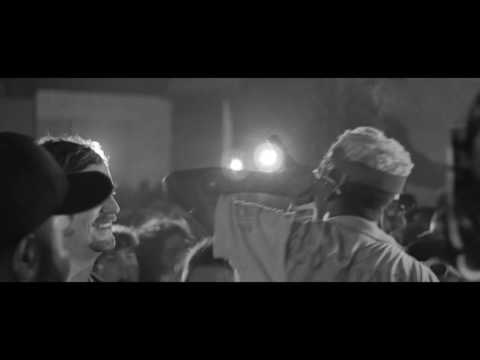 LIL TRACY - WHITE TEE (LIVE)