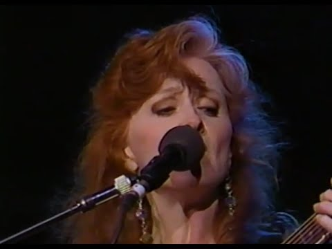 Bonnie Raitt - Angel From Montgomery - 11/6/1993 - Shoreline Amphitheatre (Official)