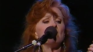 Bonnie Raitt Angel From Montgomery 11 6 1993 Shoreline
