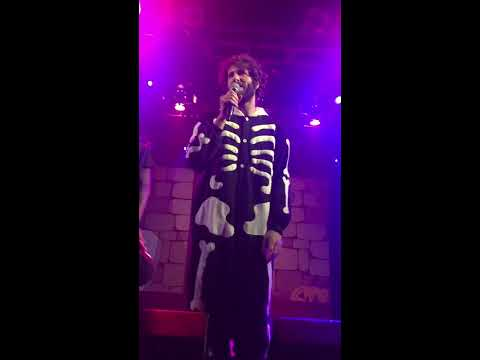 Lil Dicky - Pillow Talking - feat. Brain (Live, Dick or Treat tour LONDON - 02/11/16)