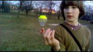 Attila peonza trükkjei 1. (Peonza tricks)- Cherry coke-cherokee