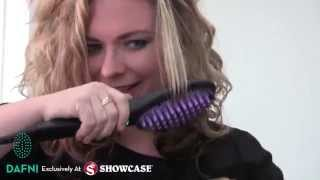 Kelly Tries the DAFNI Brush