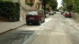 CAMION IMPAZZITO: ECATOMBE DI AUTO