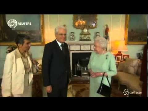 Sergio Mattarella incontra la Regina Elisabetta II un colloquio di 45 minuti