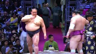 Links below** The final match on Day 9 finds yokozuna Kisenosato (4...
