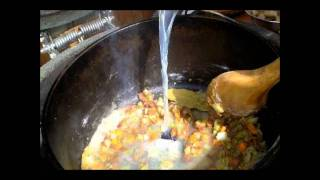 Gambar cover New England Killer Clam Chowder.wmv