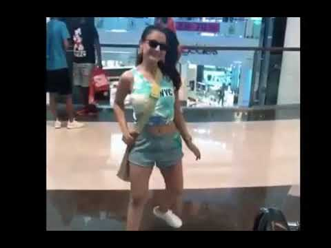 Amisha Patel so hot look video clip HD thumbnail