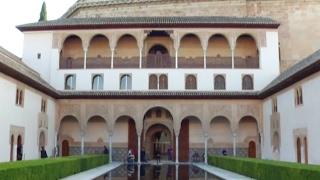 НА Альгамбра под призмой математики и поэзии(другие видео смотрите на www.novostiandalusii.com Возможность узнать Альгамбру с разных точек зрения и в сопровождени..., 2017-02-10T23:25:42.000Z)