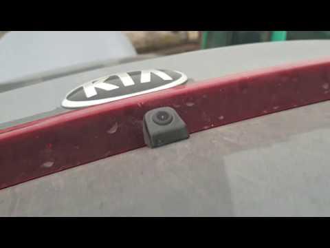 Установка передней и задней камеры на Kia Rio с блоком автоматического переключения между камерами