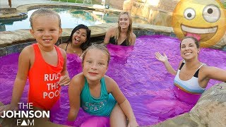 5 SISTERS POOL BOMB PARTY! 🎉 Sisters Meet for the First Time!